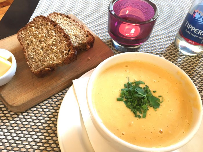 Matt The Thresher SEAFOOD CHOWDER & malt brown bread
